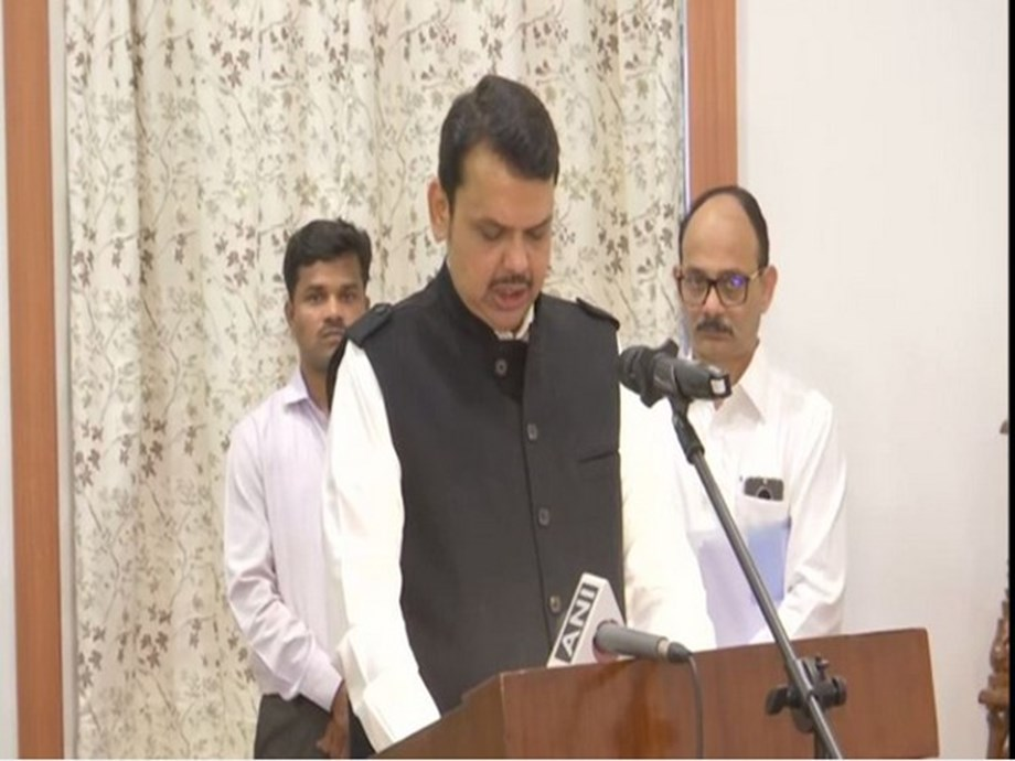 BJP leaders congratulate Devendra Fadnavis for becoming Maharashtra CM