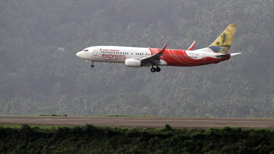 Air India pilots threaten to reject duty roaster if allowances not paid by Feb 10