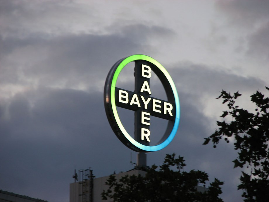 UPDATE 2-Bayer to invest $5.6 bln in weedkiller research to help reputation
