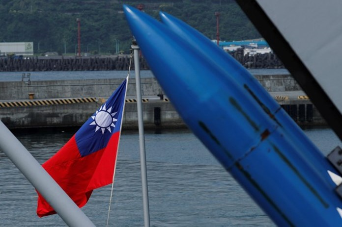 UPDATE 2-U.S. approves $330 mln military sale to Taiwan