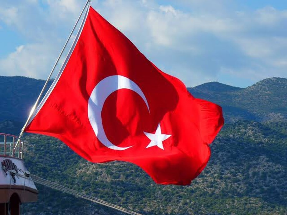 Turkey denies reports of cancelling defence system purchase from Russia