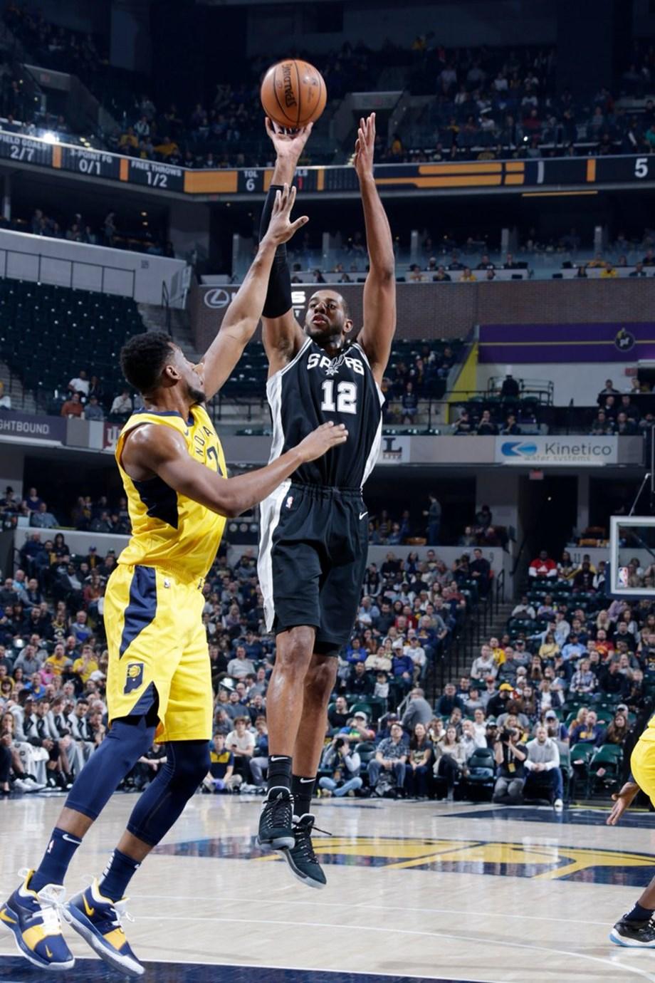 Capela's 27 pts leads Rockets' surpass Spurs