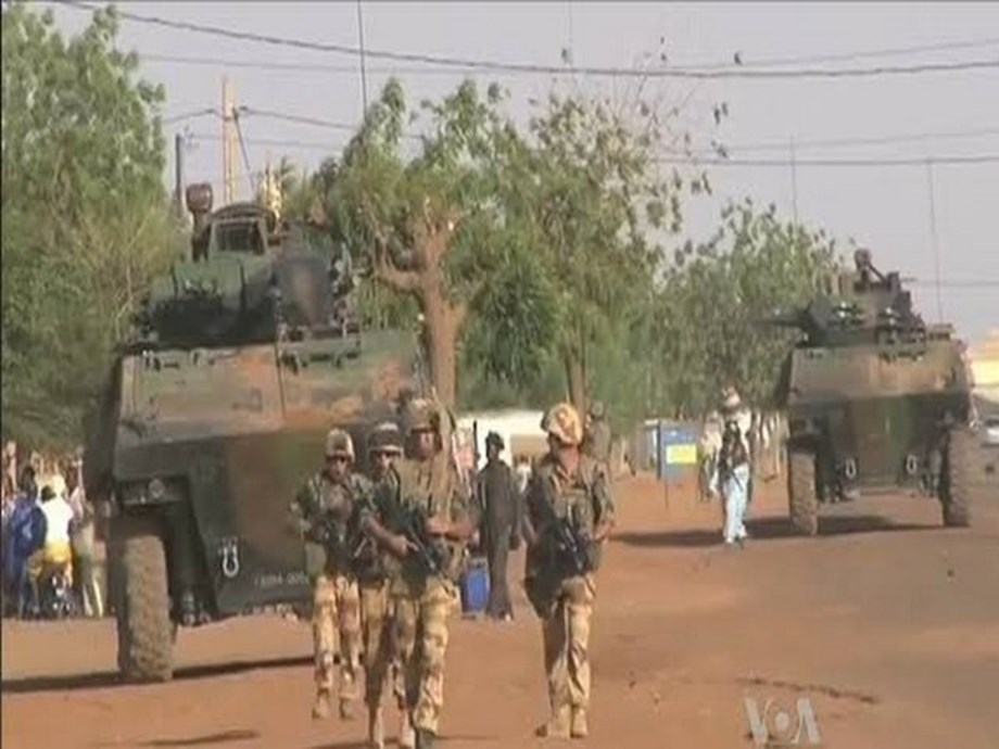Gunmen kill at least 21 in central Mali village