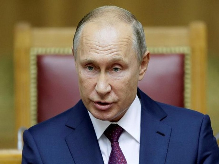 Putin cements power as Russian Duma votes for new PM