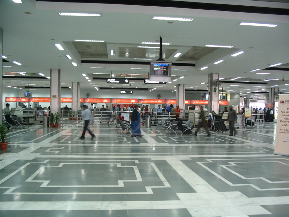 Cabinet approves leasing out three major airports of AAI