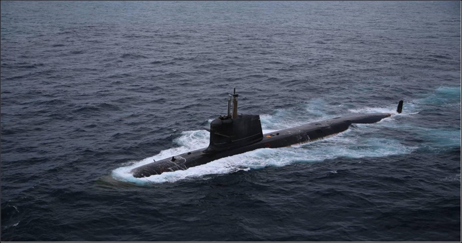 France, Australia play down tensions over submarine deal