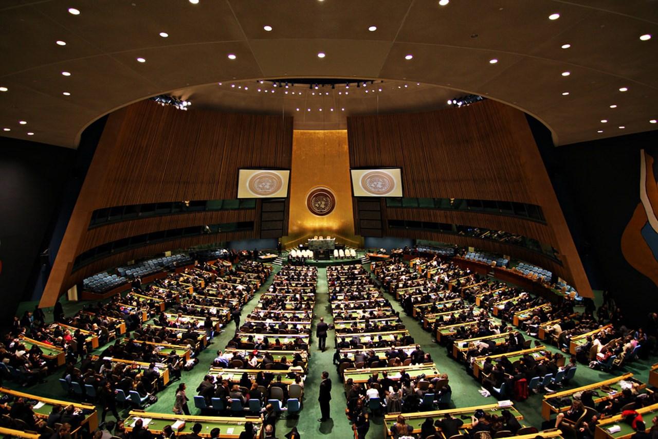 Baby Neve watches mum Jacinda Ardern speak at UN