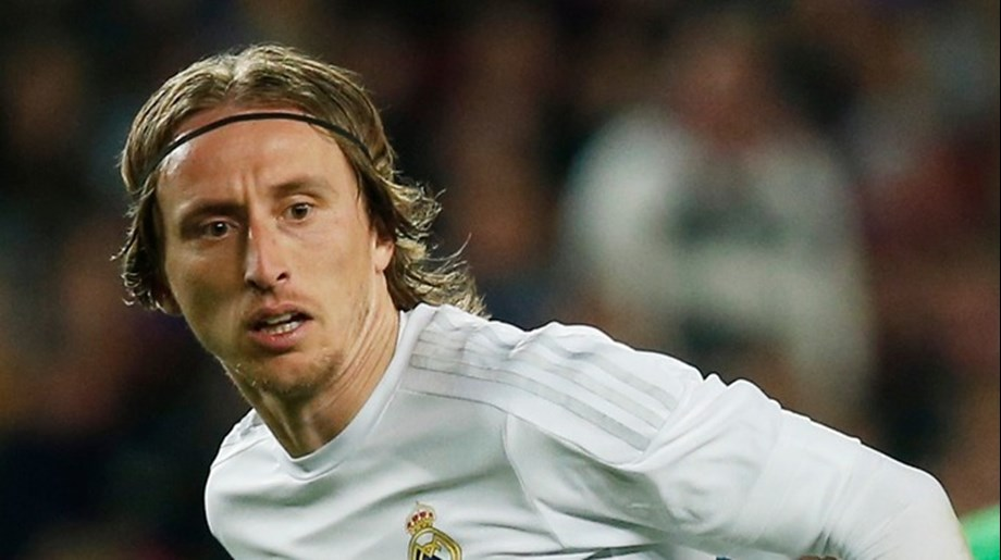 Croatian midfielder Luka Modric ends Ronaldo-Messi hegemony; to be crowned player of the year