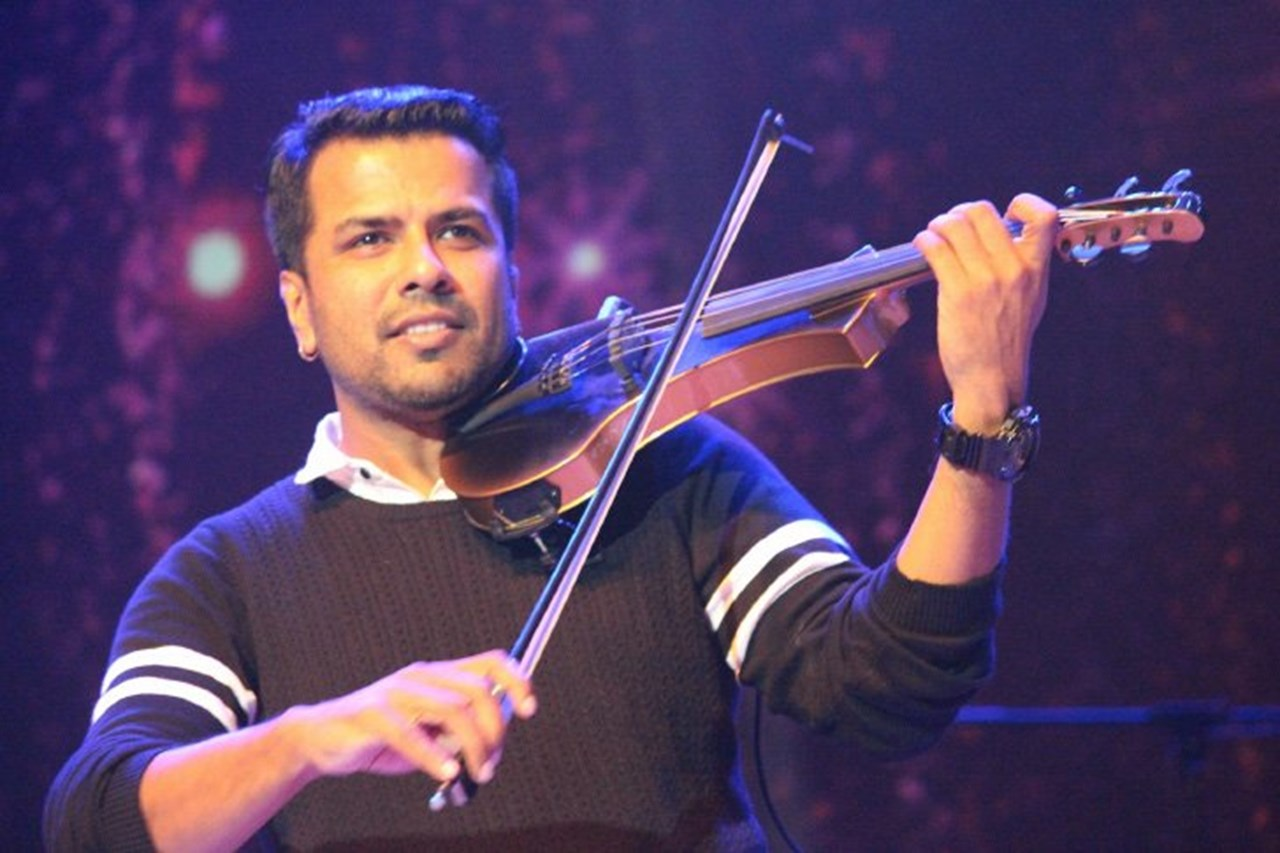 Singer Balabhaskar injured in accident, daughter dies