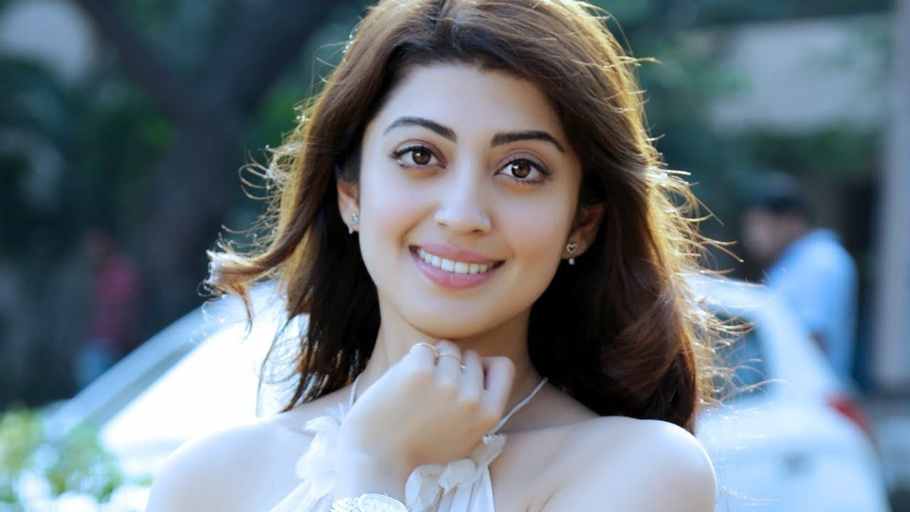 Pranitha Subhash enjoys keeping in touch with fans