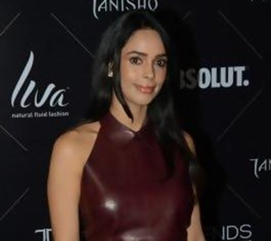 Mallika Sherawat extends support to FIAPO