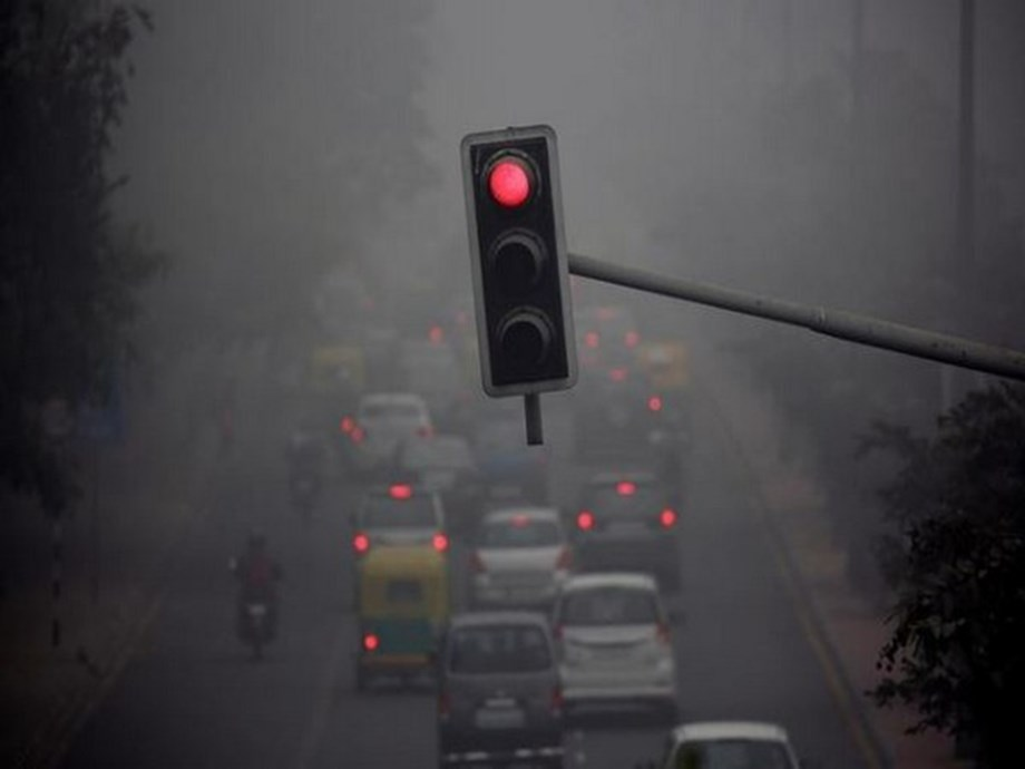Delhi remains shrouded in toxic haze for third consecutive day
