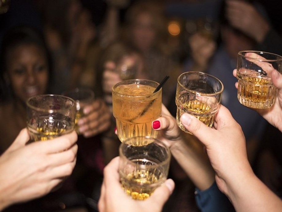 More years in education linked to lower risk of alcohol dependence