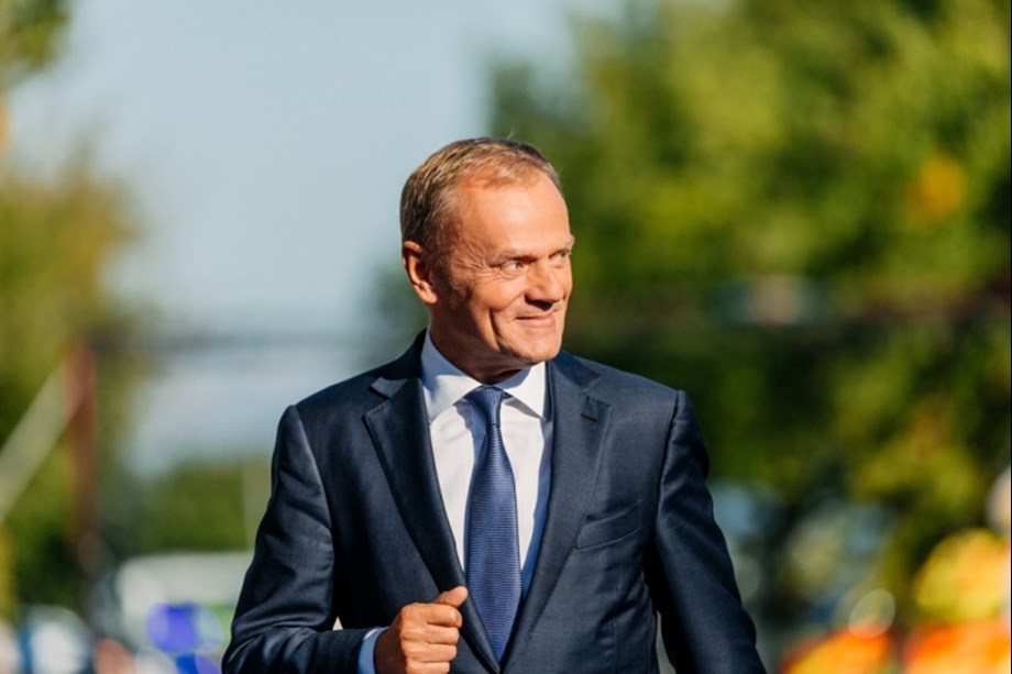 UPDATE 1-EU may impose sanctions on Russia after seizure of Ukrainian ships: Tusk