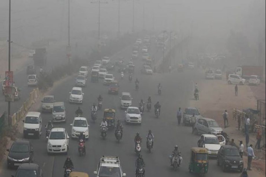 Delhi's pollution level comes down to 'very poor' category from 'severe'