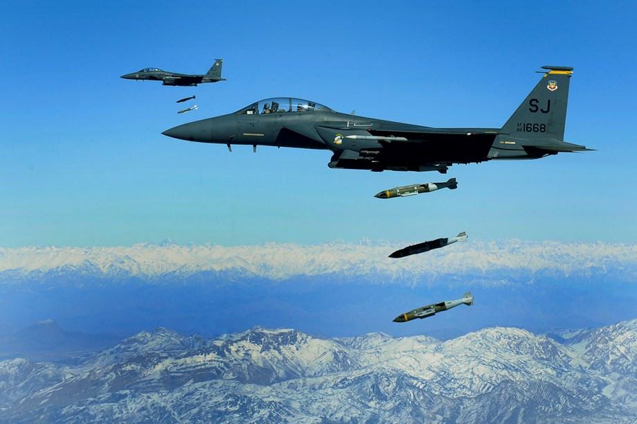 Saudi-led coalition bombed 9 military sites near Sanaa: Report
