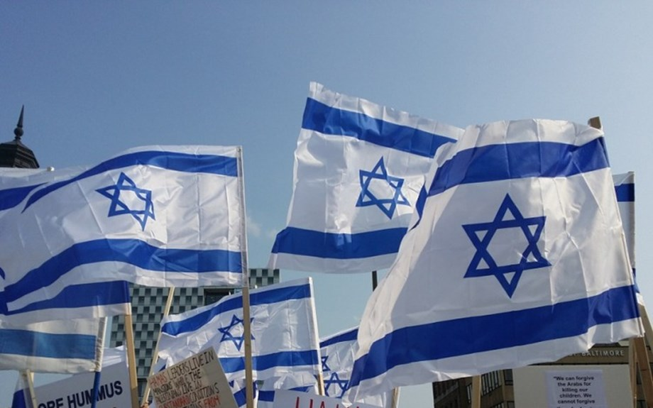 UPDATE 1-U.S. support for Israeli settlements renews focus on core issue in Mideast conflict