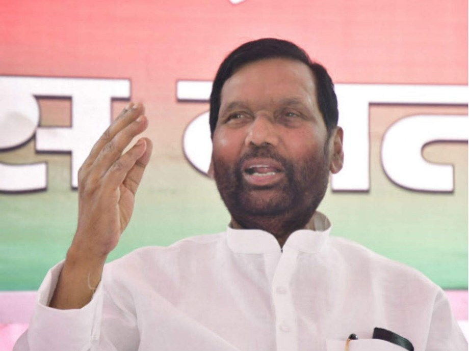 Union Minister Paswan demands stringent law to ban manual scavenging
