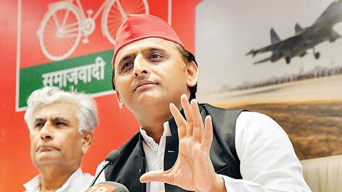 Akhilesh extends supports to TDP, attacks BJP of 'dictatorial tendencies'