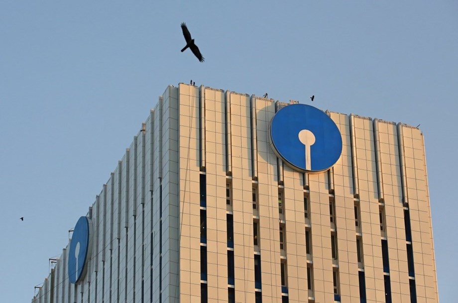 SBI gets shareholders' approval to raise Rs 20K crore through share sale