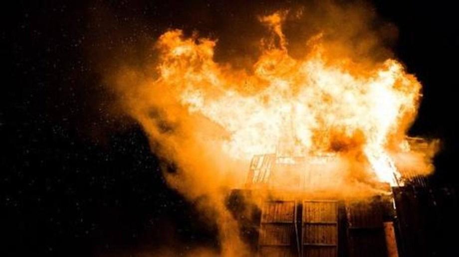 70 shacks gutted in Rohini slum fire