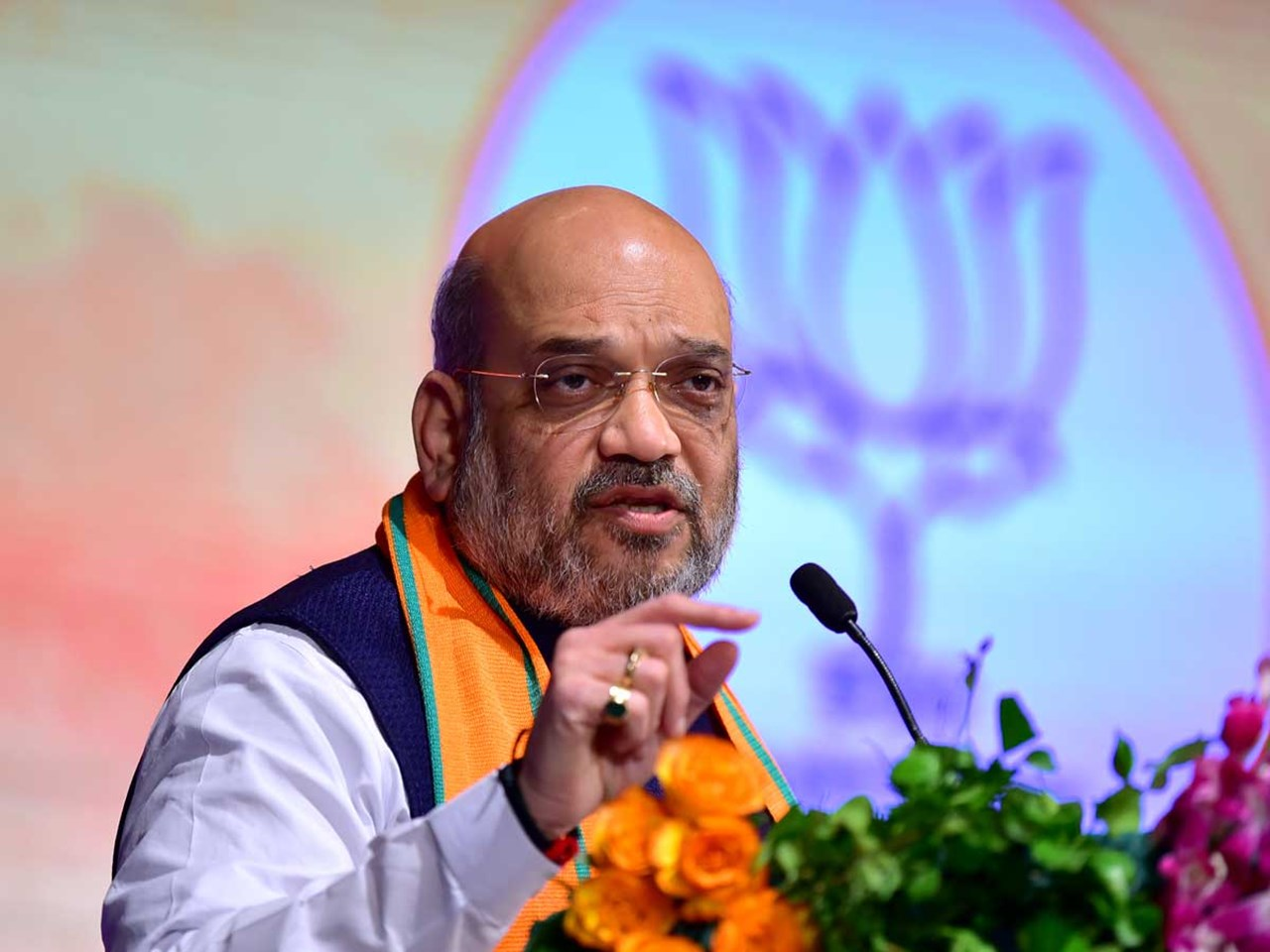 Congress attacks Shah for dodging Modi press conference query
