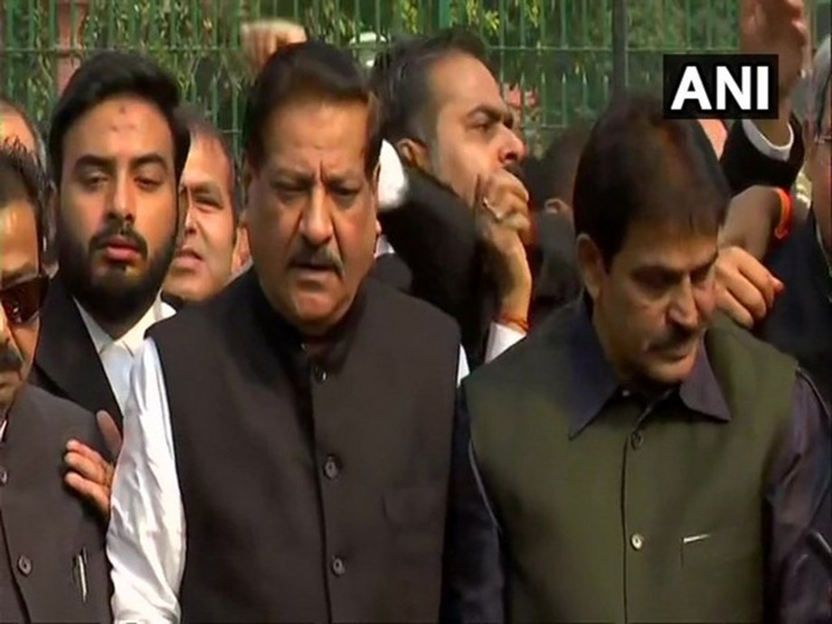 Congress-NCP-Shiv Sena 'satisfied' with SC's order for floor test: Prithviraj Chavan