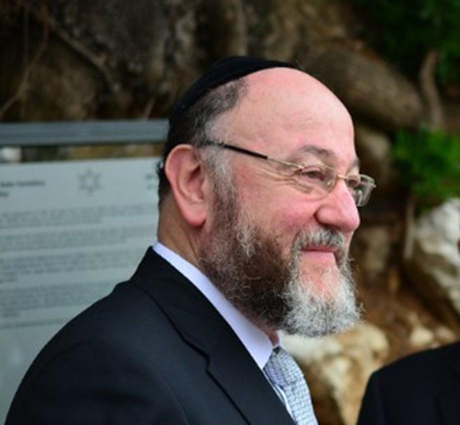 "UPDATE 2-Britain's chief rabbi warns ""poison"" of anti-Semitism in Labour"