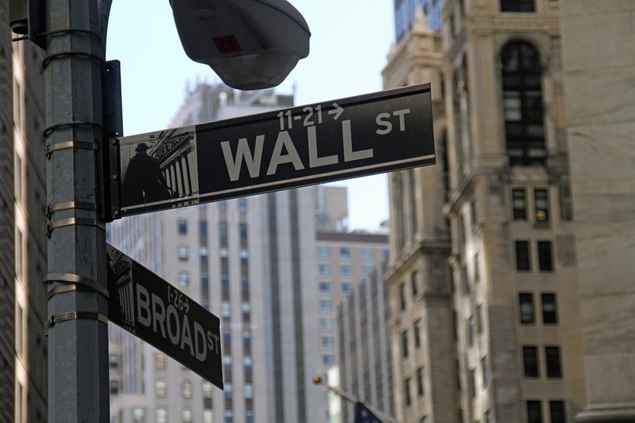 US STOCKS-Wall Street bounces back on renewed trade optimism