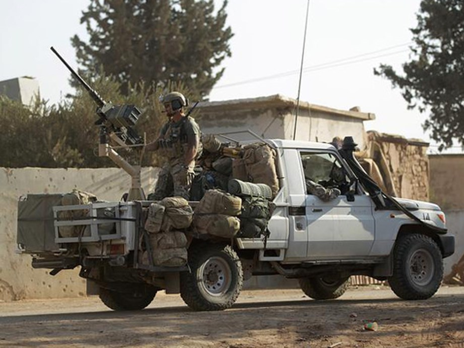 UPDATE 2-Russia-backed Syrian forces step in as U.S. retreats