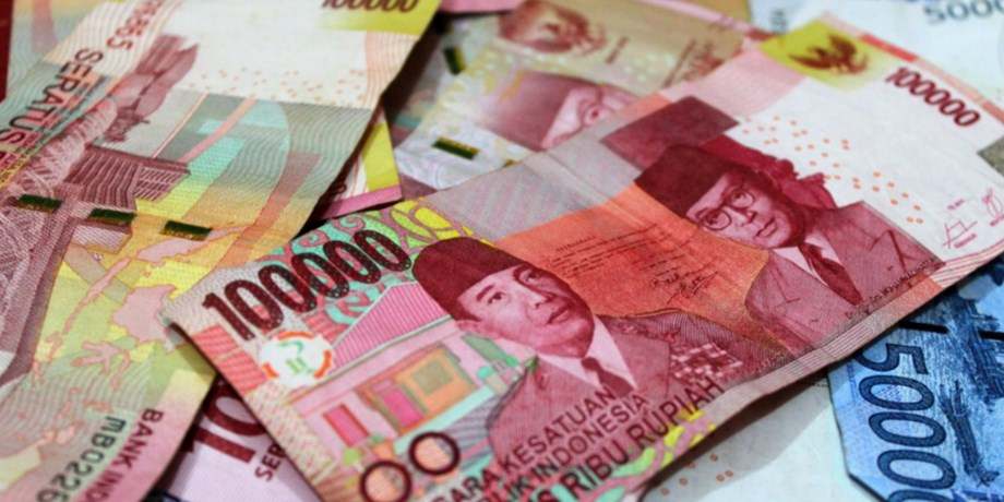 Cash envelope, luxury gift: Indonesian polls and money involved