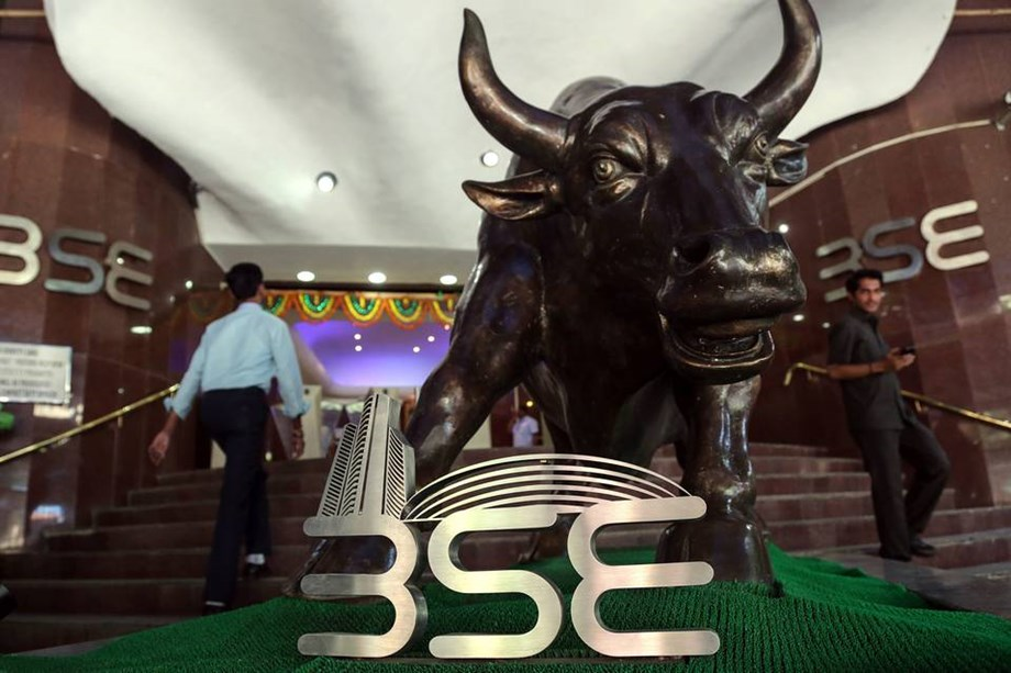 Equity indices slips after global cues, RBI policy
