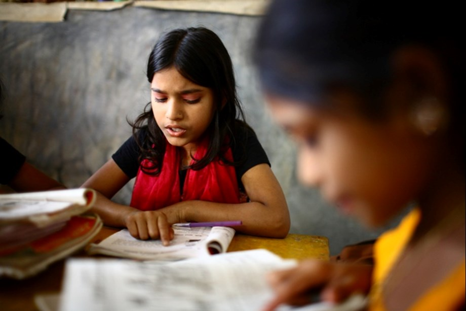 Andhra govt-Samsung to start smart classes in 14 govt colleges
