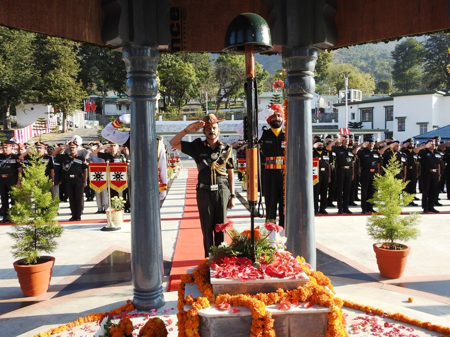 BSF farewell rites to soldier martyred in Pak shelling in Kathua