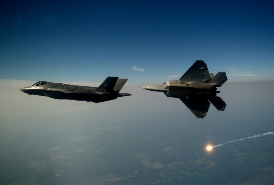 Japan reportedly considering to buy additional 100 F35 fighters from US