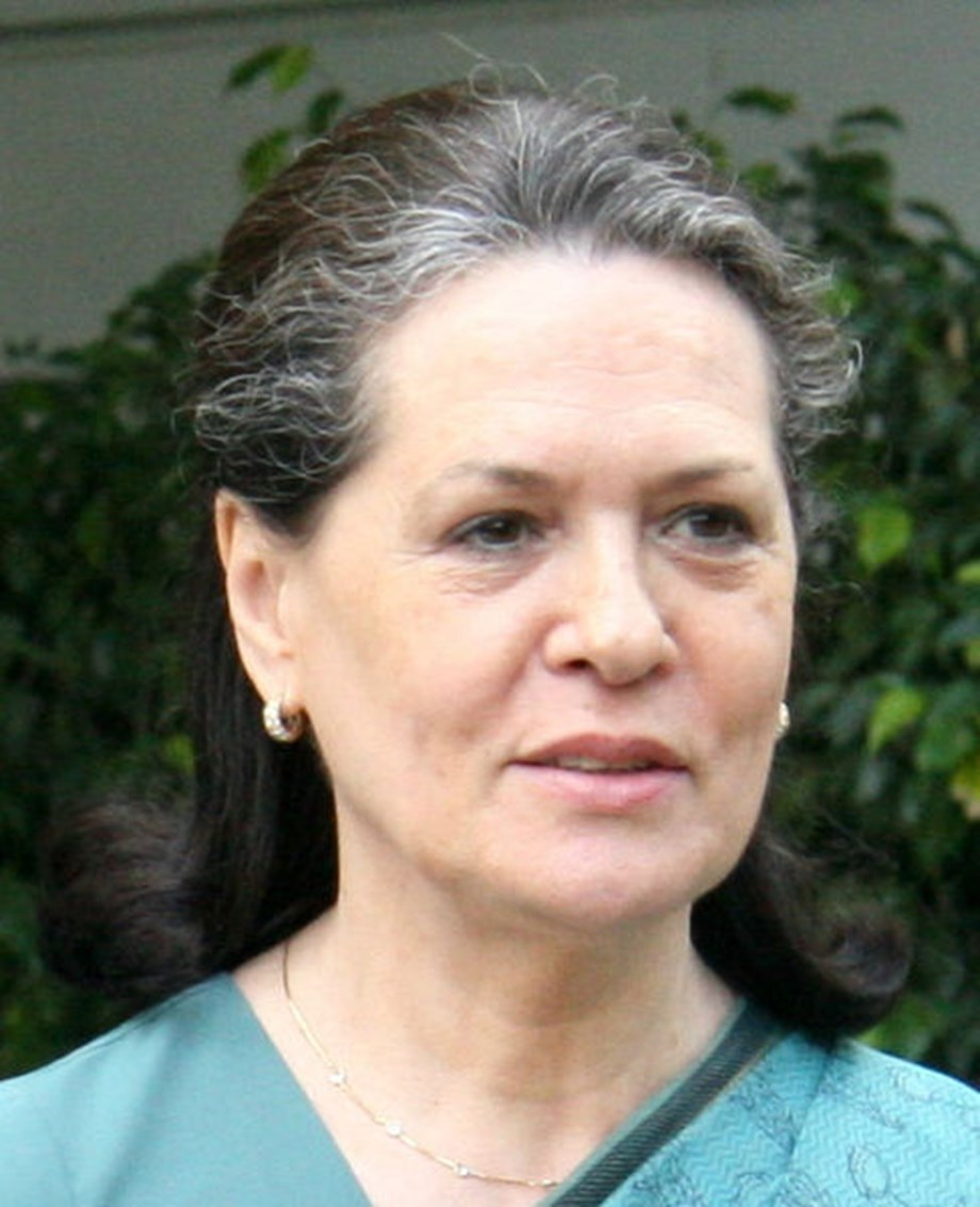 Cong leaders hoping Sonia's return will change party's fortunes, a section roots for early election to prez post