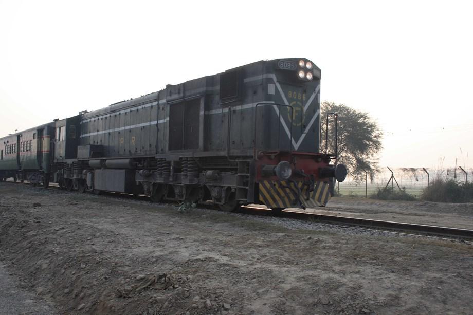 Pakistan stops Samjhauta Express at Wagah border, passengers stranded: Indian Railway sources