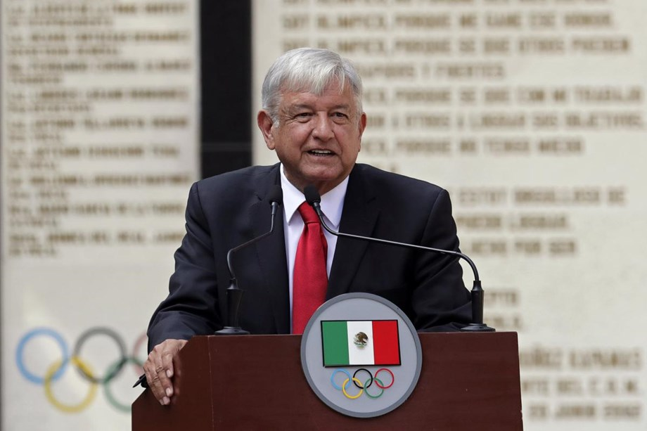 Public would be polled from Oct. 25 to Oct. 28 to finish Mexico City airport, says Javier Jimenez Espriu