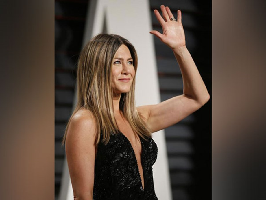 Entertainment News Roundup: Jennifer Aniston returns to TV with 'The Morning Show'