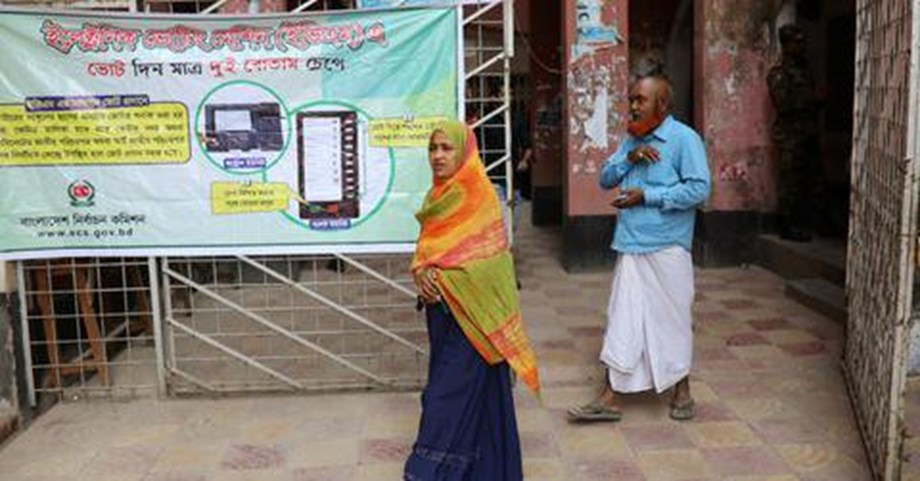 Bangladesh shuts down high-speed mobile internet on election eve