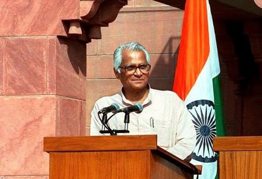 George Fernandes rose from streets to become one of towering personalities