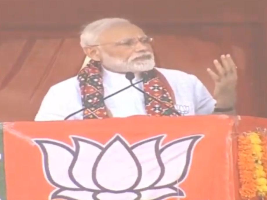 Modi slams earlier Congress govt for 'jailing' Amit Shah to topple Gujarat govt