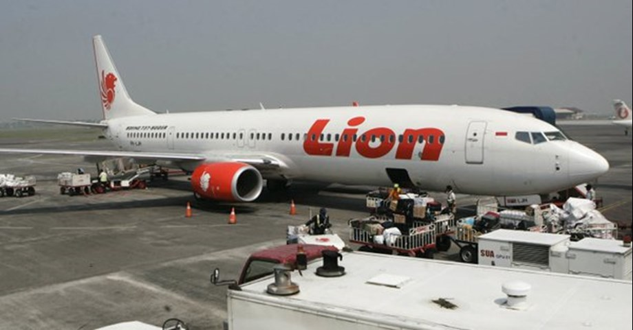 UPDATE 1-Indonesian officials say crashed Lion Air jet's cockpit voice recorder found
