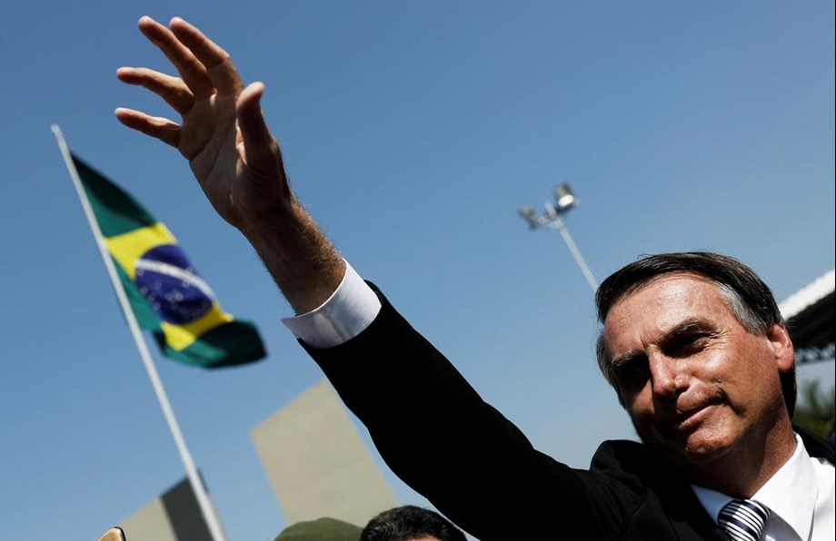 Bolsonaro urges to democratic institutions on bill protecting security officials