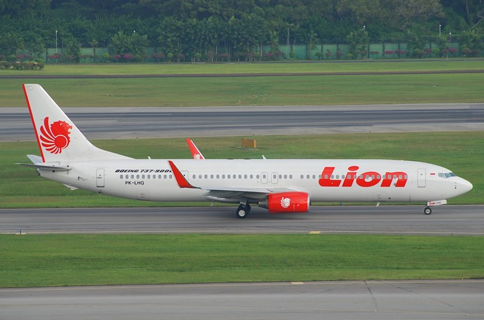 UPDATE 1-Lion Air crash victims' families to rally as hunt for wreckage steps up