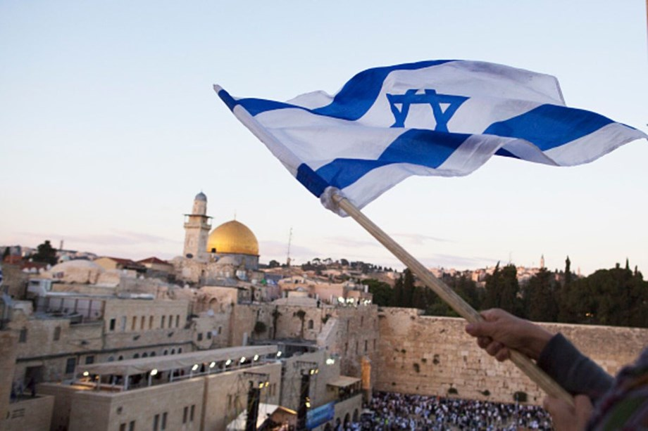 Israel coalition crisis: Netanyahu says 'irresponsible' to dissolve government