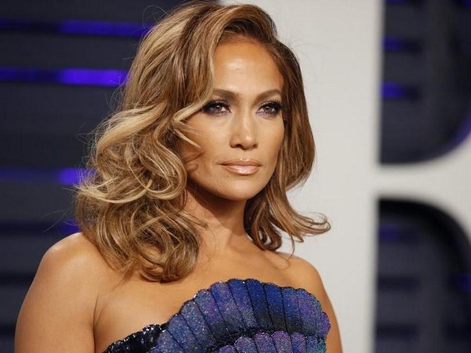 Jennifer Lopez, NFL talking Super Bowl performance