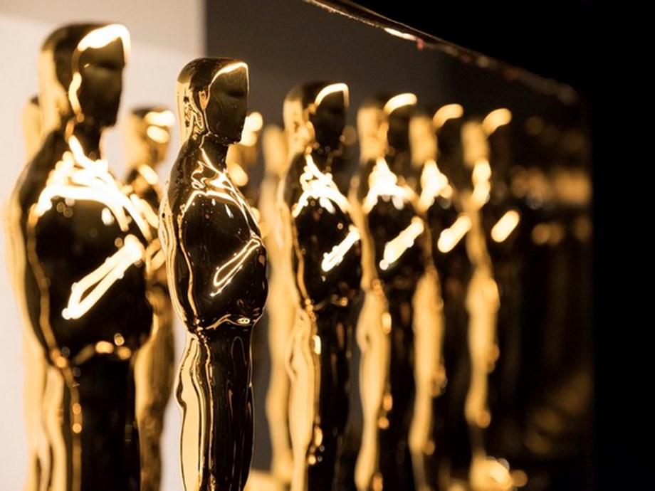 Oscars go green with plant-based menus, no plastic bottles