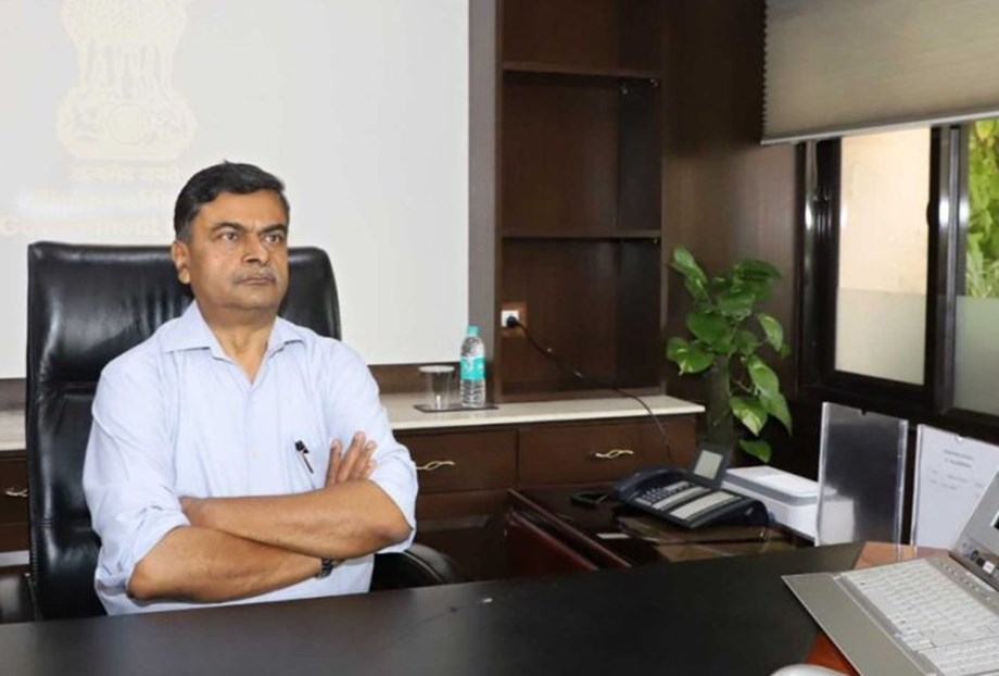 RK Singh asks Institutes to categorize Renewable Energy different from power sector