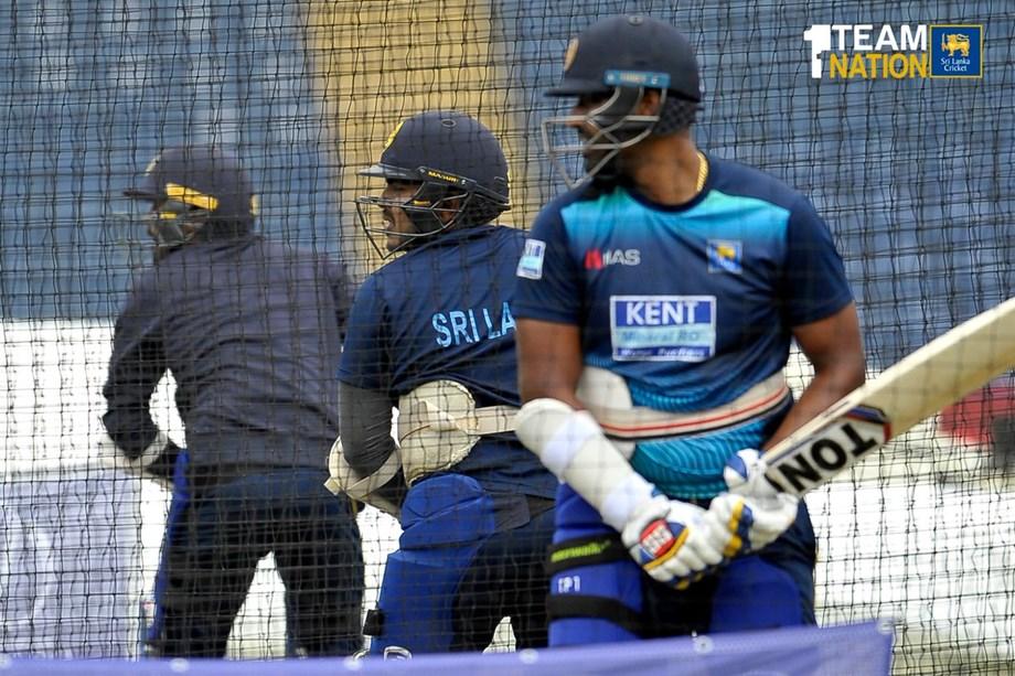 Cricket-Lanka's Dananjaya takes five to put NZ on back foot in Galle